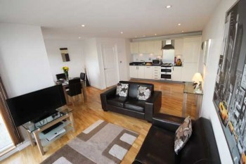 Theatre District serviced apartment-living area kitchen perfect for a Christmas stay
